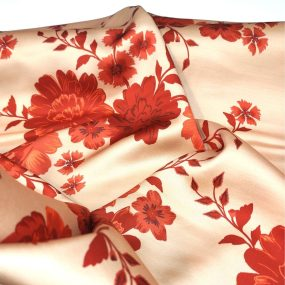 Saten camel flor roja (1)